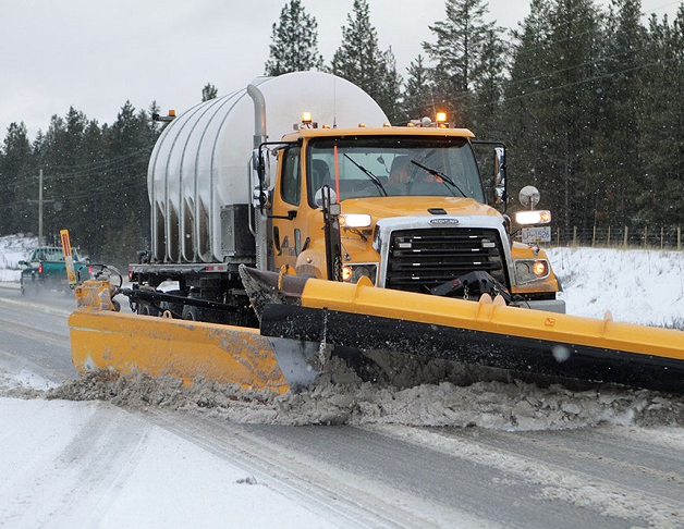 columbia-valley-hwy-93-95-plow-taken-rob-singbeil-winter19-1000x690.jpg